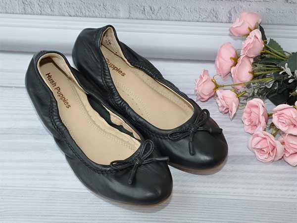Чёрные гибкие балетки