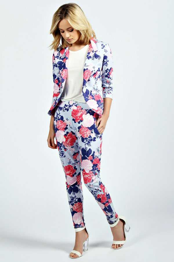 Образы в брюках с цветочным принтом: фото 1