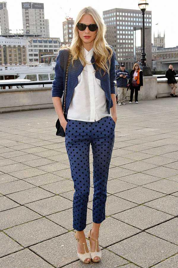 Образы в брюках с принтом: фото 2