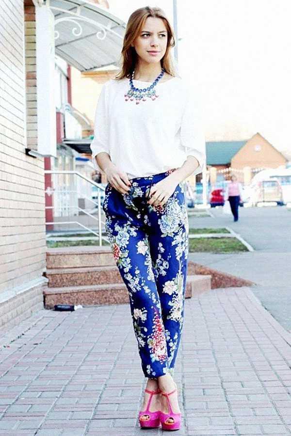 Образы в брюках с принтом: фото 7