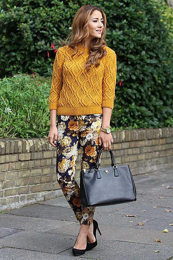 Образы в брюках с принтом: фото 10