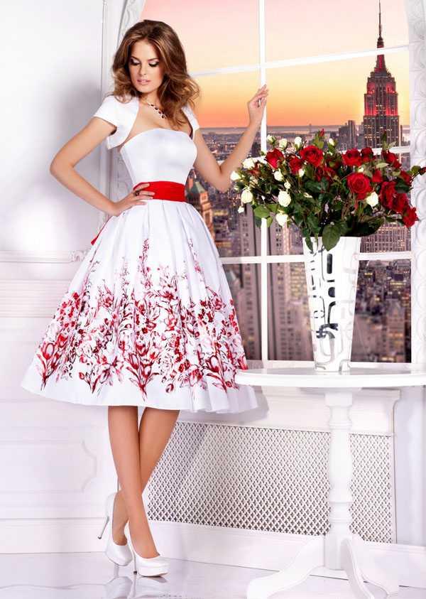 Белые туфли на платформе и каблуке, платье, болеро