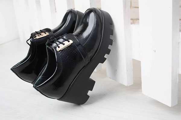 Ботинки на тракторной платформе